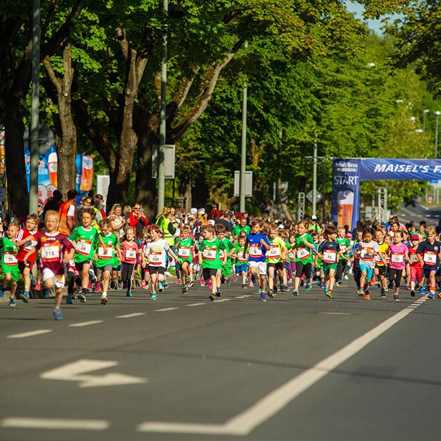 Viele Läufer beim Knax Kinderlauf 2018