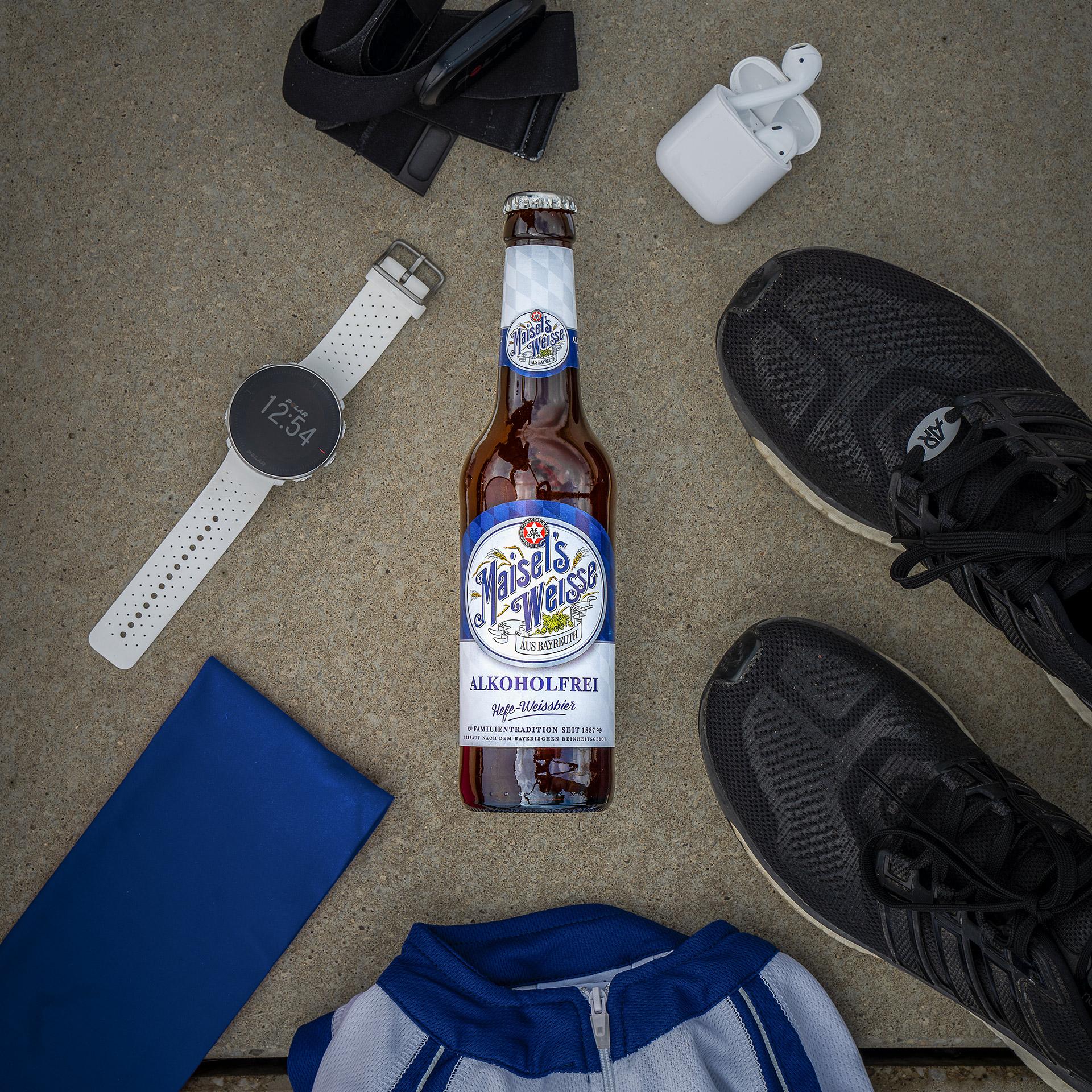 Laufutensilien mit Maisel's Weisse Akoholfrei Flasche